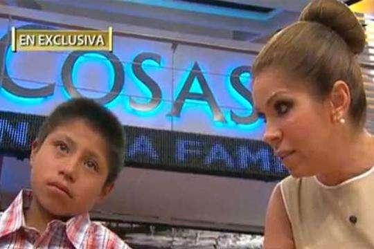 Niño tzotzil y Rocío Sánchez Azuara